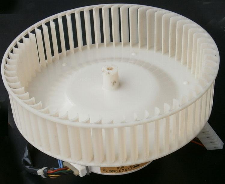 Вентилятор мобильного кондиционера в сборе.